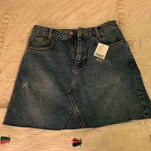BDG MINI JEAN SKIRT. NEVER WORN. TAG ON